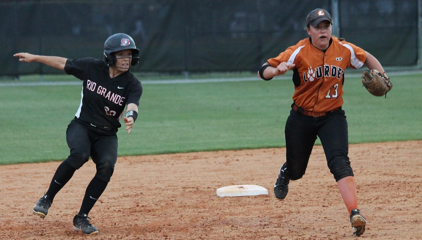 Rio's Cheyenne Hamaker heads for third during Tuesday's NAIA Opening Round win over Lourdes