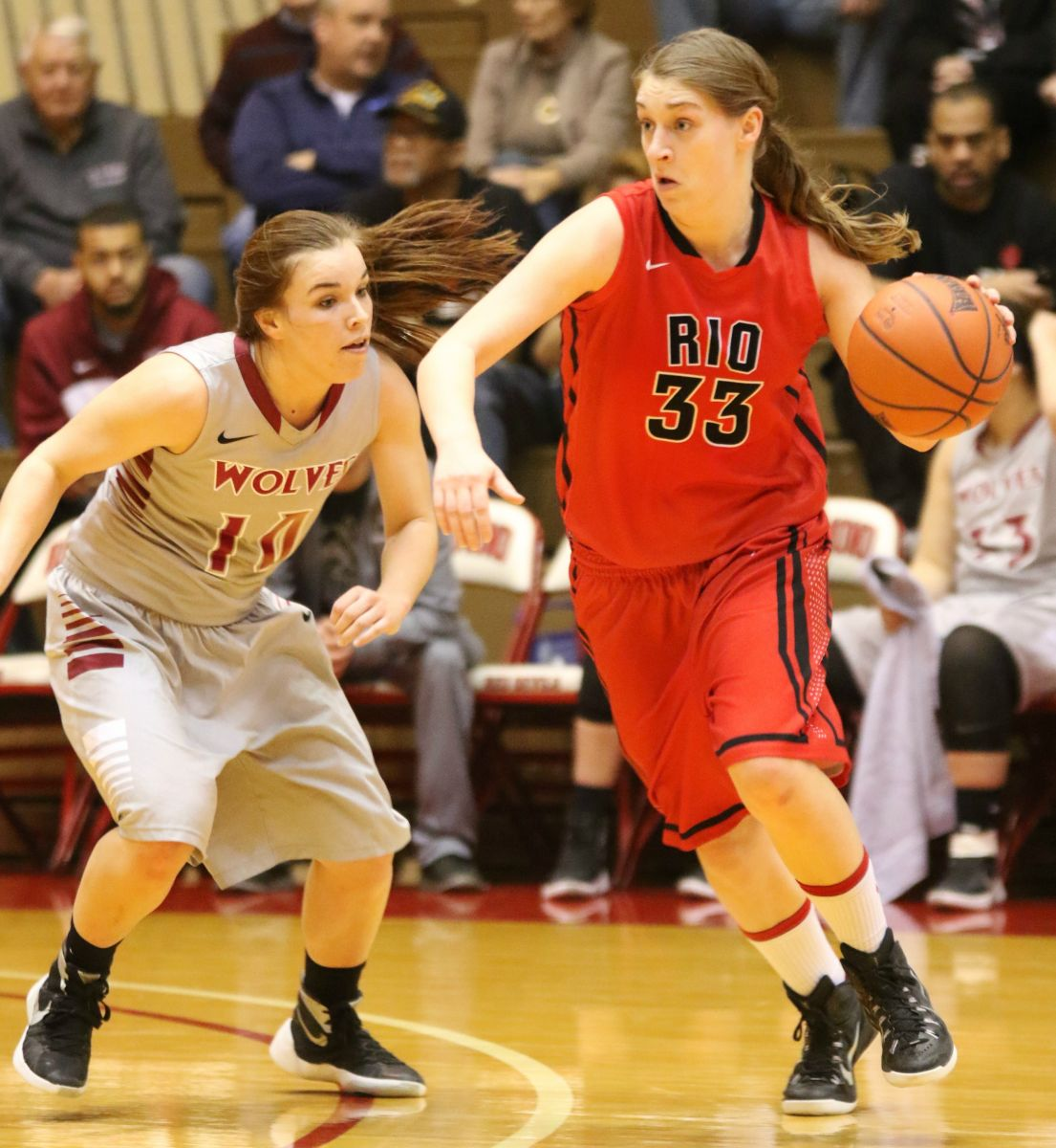 Rio's Sarah Bonar drives around IU-East's Bailey Dreiman during Saturday's 84-79 loss to the Red Wolves