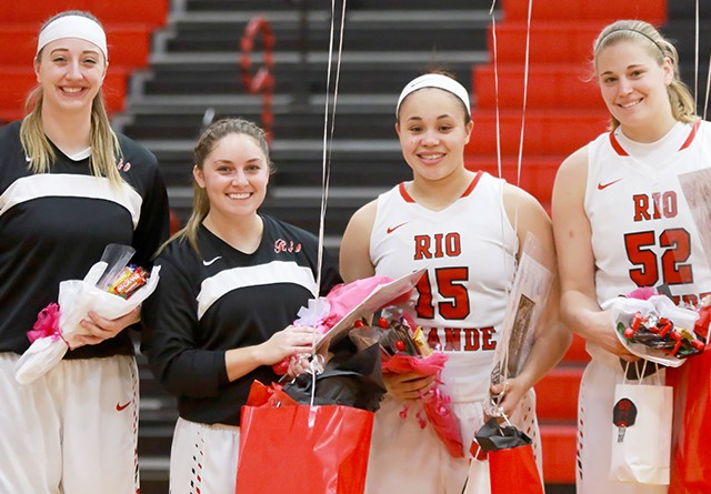 Rio's quarter of Senior Day honorees pose before Saturday's 63-44 win over Carlow