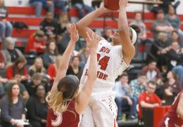 Rio's Jaida Carter puts up a jumper over IU East's Kristen Miller during the first half of Tuesday's 106-96 loss to the Red W