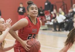Rio's Jaida Carter had a team-high 19 points in Wednesday night's 83-67 triumph over Salem International